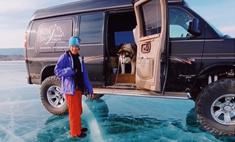 Обаятельный маламут из России отказался выходить на лед Байкала и прославился на весь мир (видео)