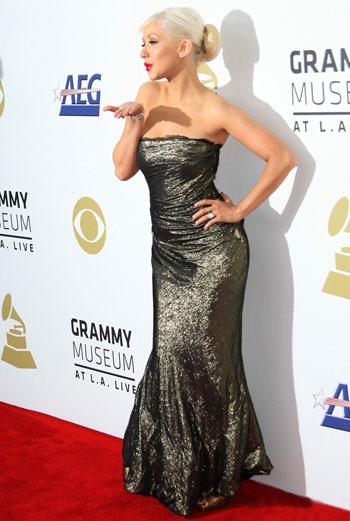 На красной дорожке Кристина Агилера была в одном платье