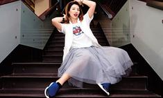 Совет стилиста: как носить кроссовки с платьями