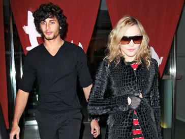 Мадонна (Madonna) и Хесус Лус (Jesus Luz)