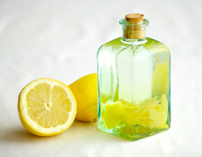 Как сделать водку лимонную