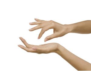 На суставах пальцев со стороны ладоней выступают вены лигаментоз плечевого сустава