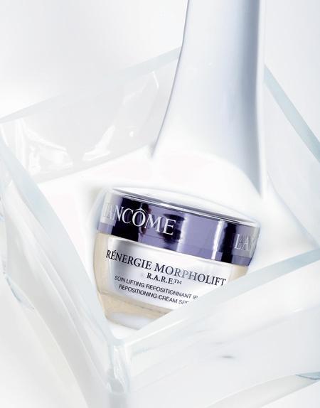 Крем для лица Rénergie Morpholift R.A.R.E., Lancôme. Повышает упругость и тонус, оказывая выраженный лифтинг-эффект.