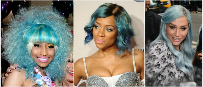 Знаменитость с синими волосами