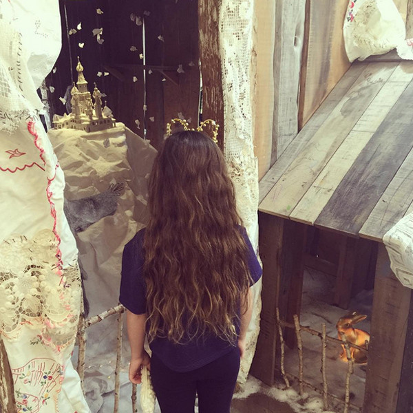 Дочь Сальмы Хайек отращивает волосы для больных детей