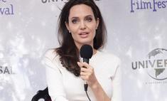 Джоли пришла в ярость, когда ведущая спросила ее о разводе