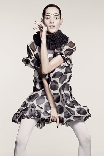 Nathalia, агентство Fashion. 23 года, русская. Ее хобби — коллекционирование обуви любых фасонов и цветов, но всегда на высоком каблуке.