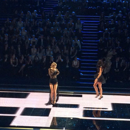 Певица Тейлор Свифт Victoria's Secret фото