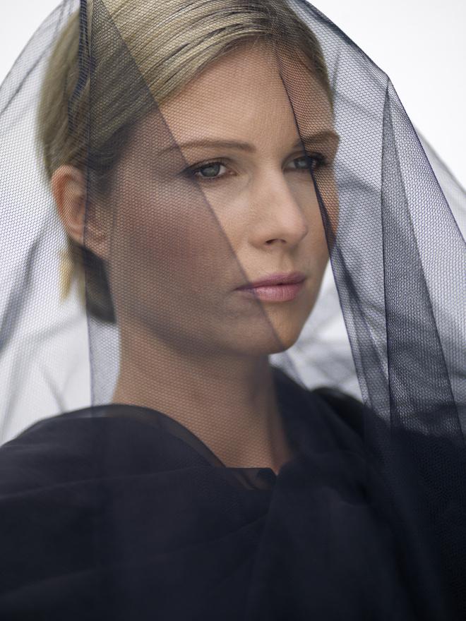 Как одеться на похороны женщине фото