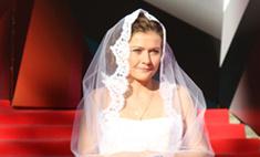Прибежавшая невеста: Мария Голубкина открыла ММКФ в свадебном наряде