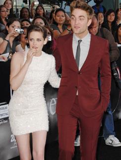 на ковровой дорожке Роберт Паттинсон (Robert Pattinson) и Кристен Стюарт (Kristen Stewart) всегда выглядят безупречно