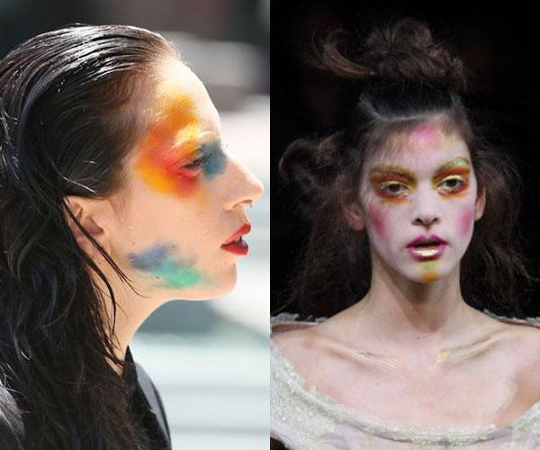 Леди ГаГа и модель на показе Vivienne Westwood.