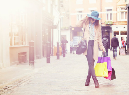 Женщина с покупками