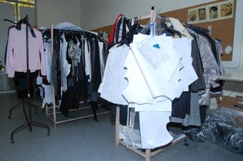 Так в экспериментальном зале постепенно появляются новые модели, судьба которых скоро решится.
