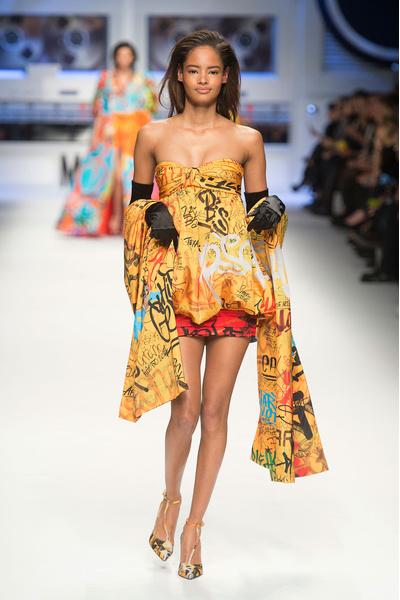 Показ Moschino на Неделе моды в Милане | галерея [5] фото [8]