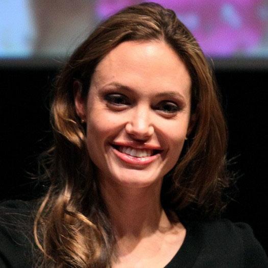 1. Анджелина Джоли 27 млн.$