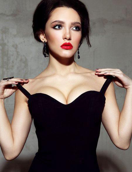 Девушки с красивой грудью