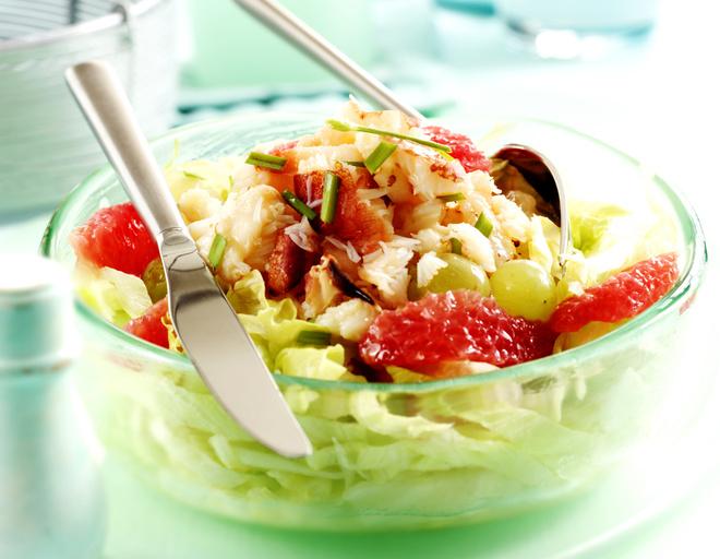 Классический салат с мясом краба