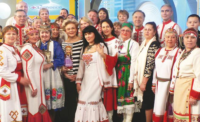 Елена Малышева и участники программы