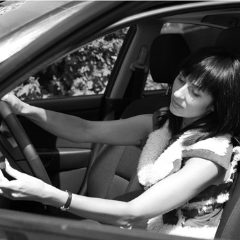 Главное, не поцарапайте автомобиль. Иначе шутки будут откинуты в сторону!