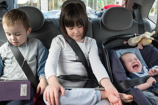 Что делать, если дети плачут в машине