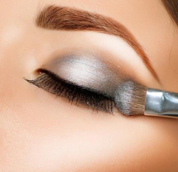 Яркий макияж