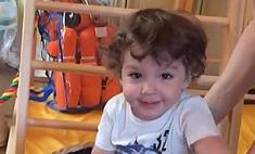 Милота дня: сын Пугачевой играет с няней