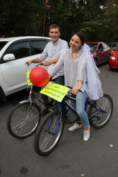 Велопробег молодоженов в Ульяновске: фото