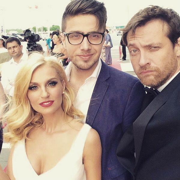 Саша Савельева и Кирил Сафонов отметили юбилей семейной жизни фото