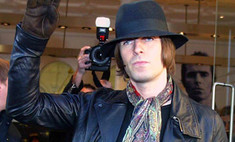 Лидер группы Oasis извинился перед поклонниками