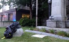 Дональд Трамп разрешил сажать на 10 лет за снос памятников