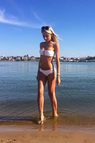 Красивые девушки Саратова в купальниках