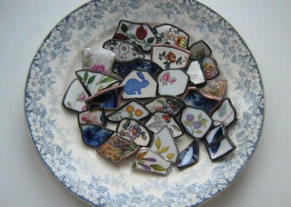 Украшения из осколков винтажной посуды от Дианы Кикнадзе