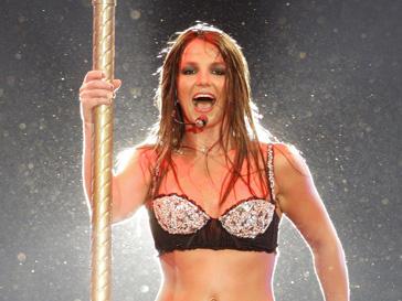 Школьникам Великобритании покажут неотфотошопленную Бритни Спирс (Britney Spears)