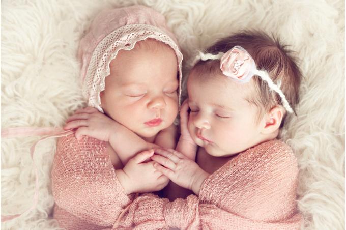 Младенцы, спящие вместе