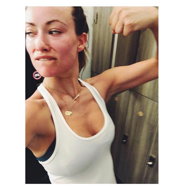 Оливия Уайлд похвасталась мышцами после родов