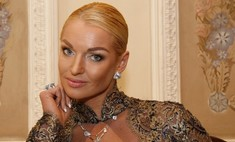 Анастасия Волочкова обратилась к экстрасенсам