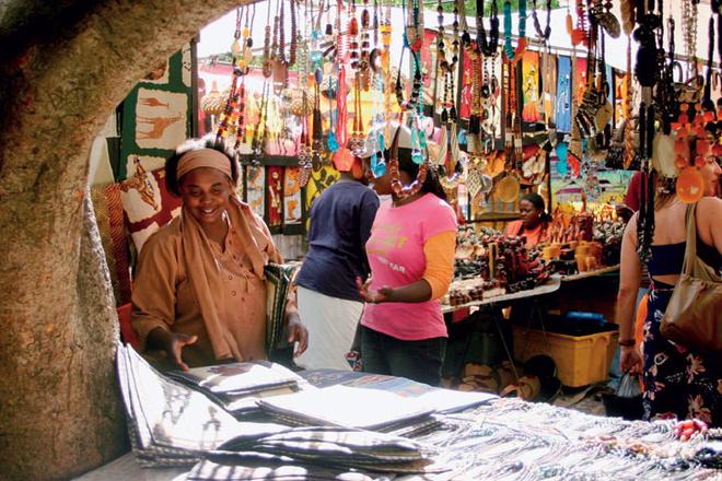 Рынок безделушек в центре города