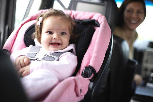 автомобилем с малышом