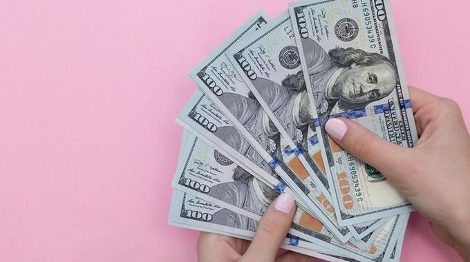 «Не хочу говорить родителям, сколько зарабатываю»