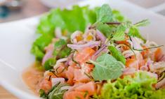 Красная рыба - основа салата