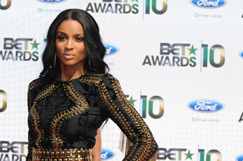 Сиара (Ciara) в Лос-Анджелесе на церемонии BET awards 2010.