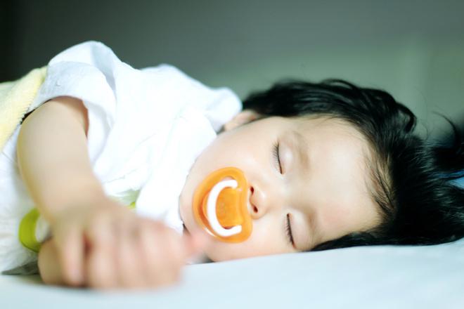 как отучить ребенка засыпать