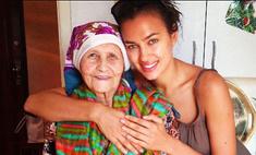 Ирина Шейк одела бабушку в Chanel