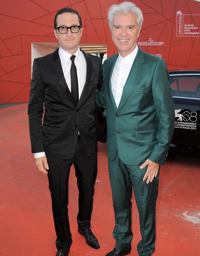 Даррен Арнофски (Darren Aronofsky) и Дэвид Бирн (David Byrne) на церемонии закрытия 68-го Венецианского кинофестиваля