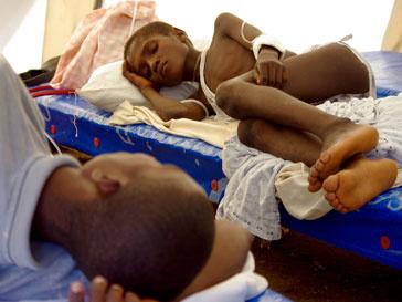 По последним данным, от болезни погибло более 1100 жителей Гаити