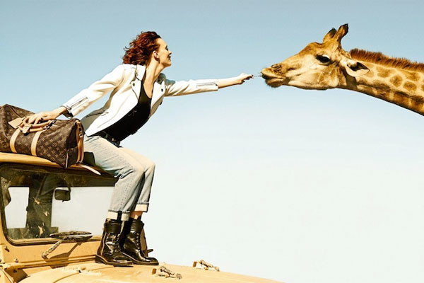 Кадр из рекламной кампании Louis Vuitton