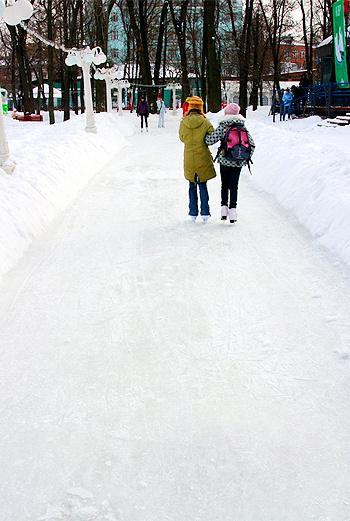 Главная аллея Выставочного центра будет выстлана льдом.
