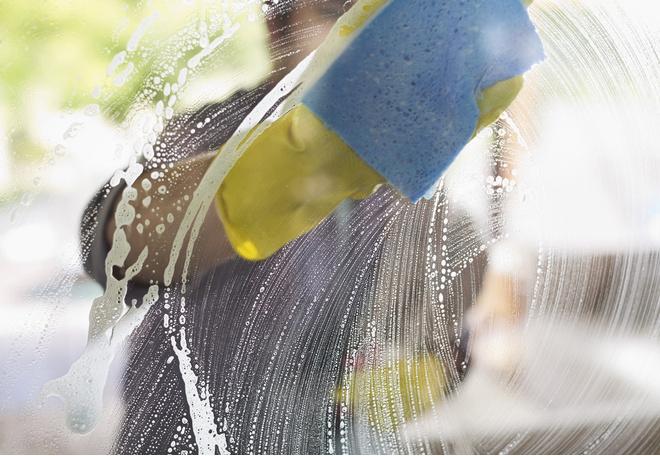 как мыть пластиковые окна без разводов