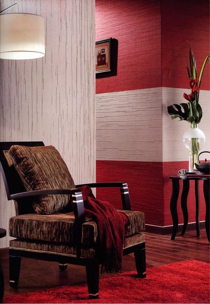 Большинство коллекций включает несколько декоров и цветов, которые допустимо сочетать по собственному вкусу. Обои Sultane (Texam, Франция)